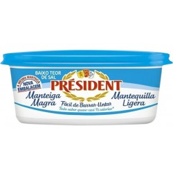 Масло President Light 40% 250g